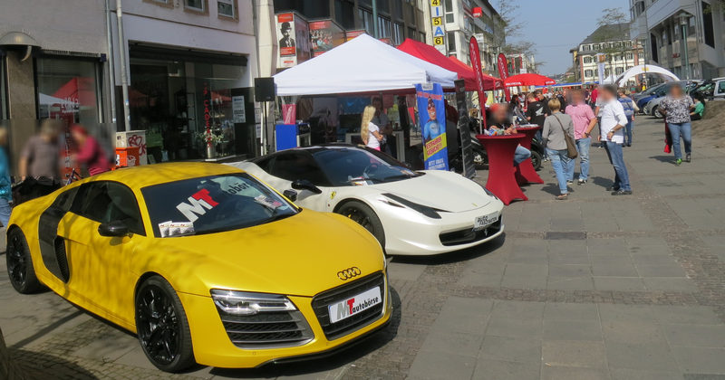 """""""Sport""""wagen bei der Mobilitätsmesse 2014 in Darmstadts Fußgängerzone"""