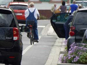 Schutzstreifen ohne Schutzfunktion für Radfahrer auf der L3103 in Jugenheim an der Bergstraße
